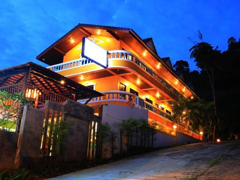 Hotell Phureekarn Guesthouse i Karon, Phuket. Klicka för att läsa mer och skicka bokningsförfrågan