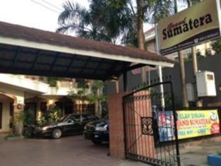 Grand Sumatera Hotel Surabaya - Exterior