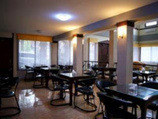 Grand Sumatera Hotel Surabaya - Interior