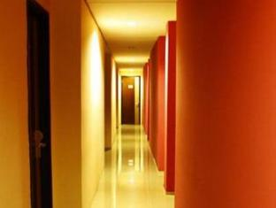 Fiducia Hotel Serpong Tangerang - Room Corridor