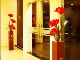 Fiducia Hotel Serpong Tangerang - Entrance