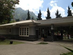 Puri Wardani Holiday House