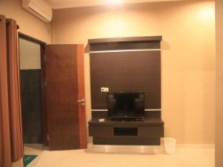 Hotel Bumi Aditya Lombok - LCD TV 32 Inch