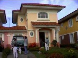 Rose Villa Cipanas Puncak - Exterior