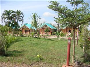 Chumpae Lagoon Resort Chum Phae - Garden