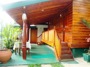 Sea Breeze Lodge