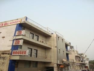 3 B Houses