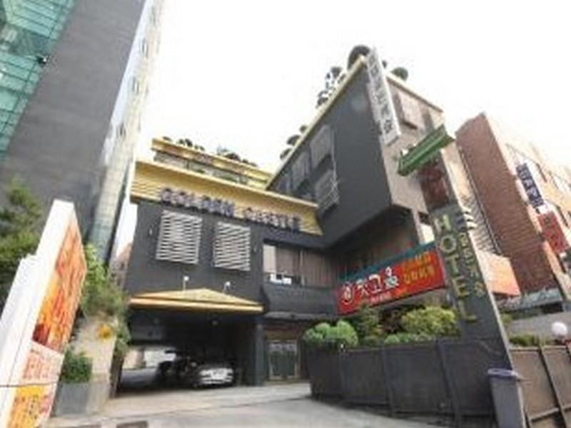 Hotel Golden Castle - Hotels and Accommodation in South Korea, Asia