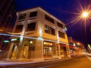 Syok at Chulia Hostel - ホテルの外観