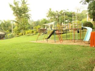 Cocoa Eco Resort Kandy - Playground