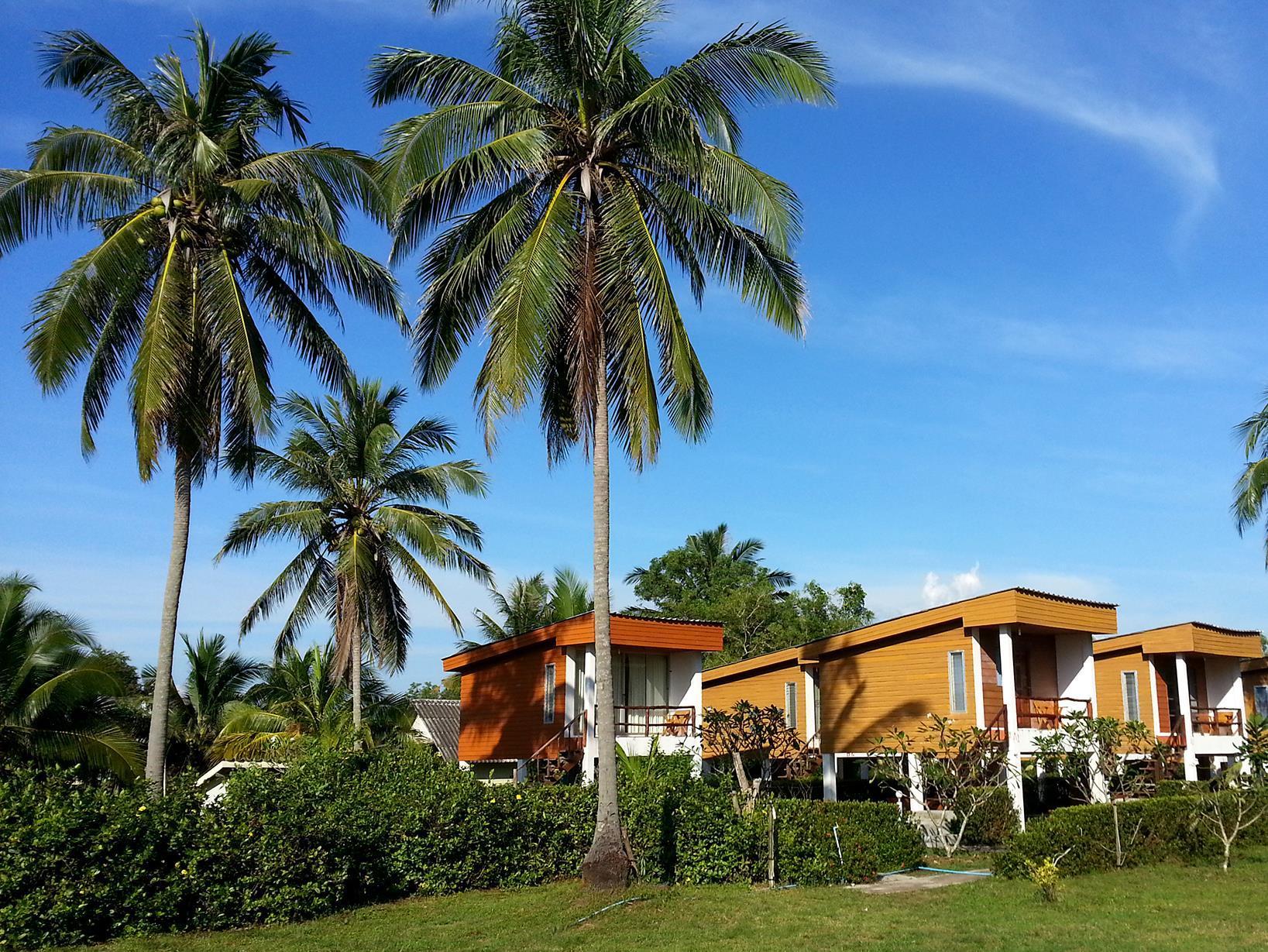 Hotell Uza Beach Resort i , Koh Jum / Koh Pu (Krabi). Klicka för att läsa mer och skicka bokningsförfrågan