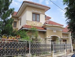 Caty's House Yogyakarta