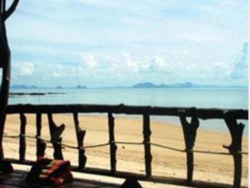 Koh Por Coral Beach Bungalow