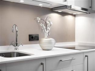 Apartments Regomir Barcelona - Kitchen