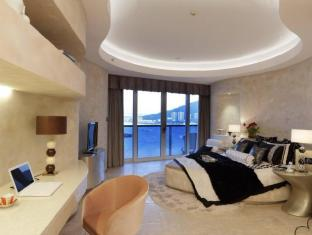 Hotel Reclusive Life Phoenix Island China