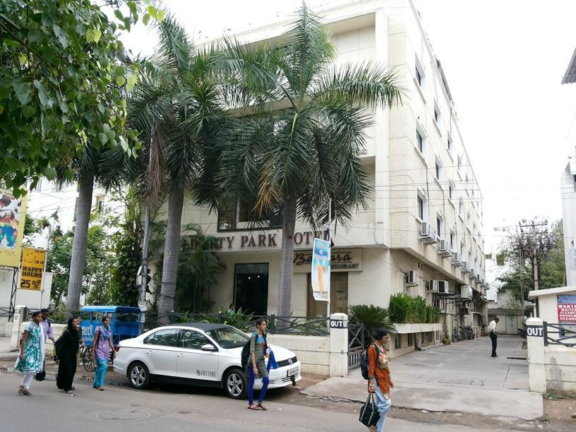 Liberty Park Hotel Chennai - Utsiden av hotellet