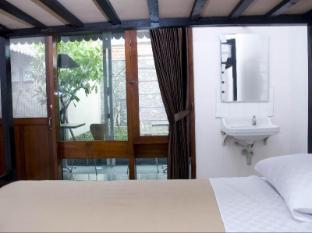 Krowi Inn סורבאיה - חדר שינה