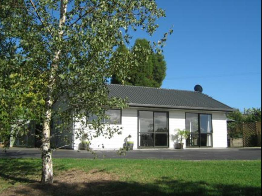 Birchgrove Cottages - Hotels and Accommodation in New Zealand, Pacific Ocean And Australia