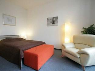 Berlin Rooms Apartment Heinrich-Heine-Platz برلين - غرفة الضيوف