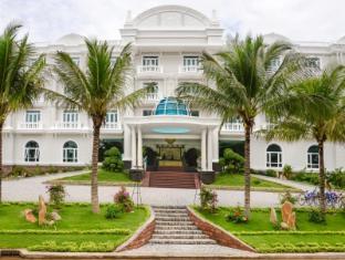 The Sailing Bay Beach Resort Phan Thiet - Entrance