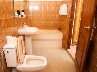 Bathrooms in srilanka 2015 home design ideas for Bathroom designs in sri lanka