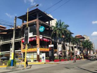 MNL Boutique Hostel Manila - Avenue Mall beside the hostel