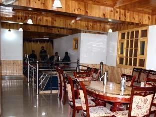 Hotel Gull Srinagar - Restaurant
