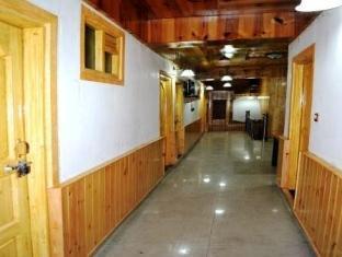 Hotel Gull Srinagar - Corridor