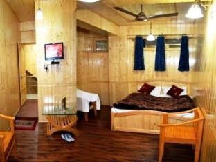 Hotel Gull Srinagar - Double Room
