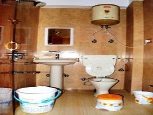 Hotel Gull Srinagar - Bathroom