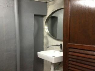 Galvanize Studio Stay Malacca / Melaka - Nomad Bathroom