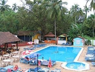 Village Royale Resort North Goa - حمام السباحة