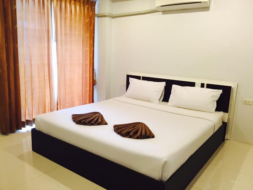 Hotell Happy Home Patong Beach i Patong, Phuket. Klicka för att läsa mer och skicka bokningsförfrågan
