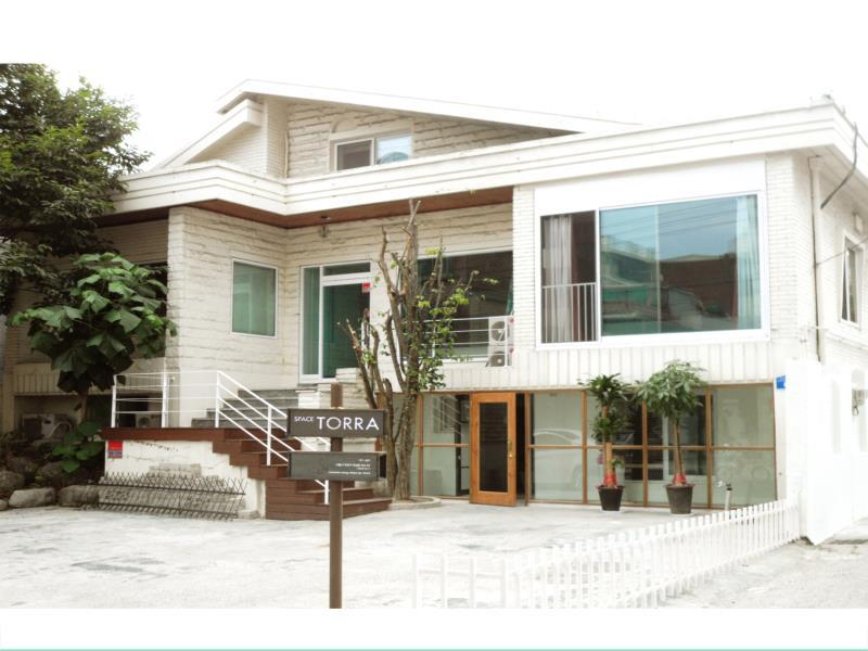 Space Torra Guesthouse - Hotels and Accommodation in South Korea, Asia