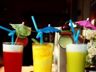 Bangkok Guesthouse@Patong Phuket - Comida y bebida