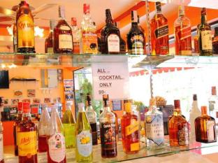 Bangkok Guesthouse@Patong Puketas - Maistas ir gėrimai