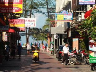 Bangkok Guesthouse@Patong Phuket - Utsiden av hotellet