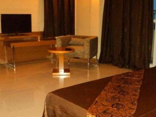 Monalysa St. Honore Apartment & Studio