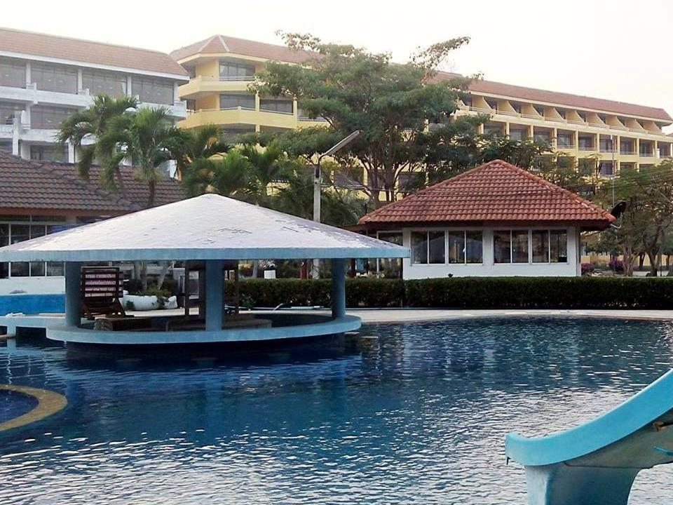 Cha-am Royal Beach Hotel - Hotels and Accommodation in Thailand, Asia