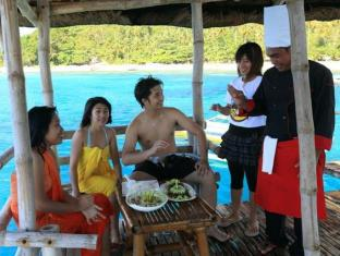 Island Garden Resort in Pangubatan Davao - Lunch at the Floating Cottage