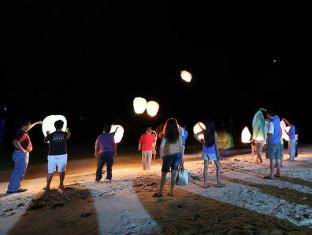 Island Garden Resort in Pangubatan Davao - Releasing Night Lanterns