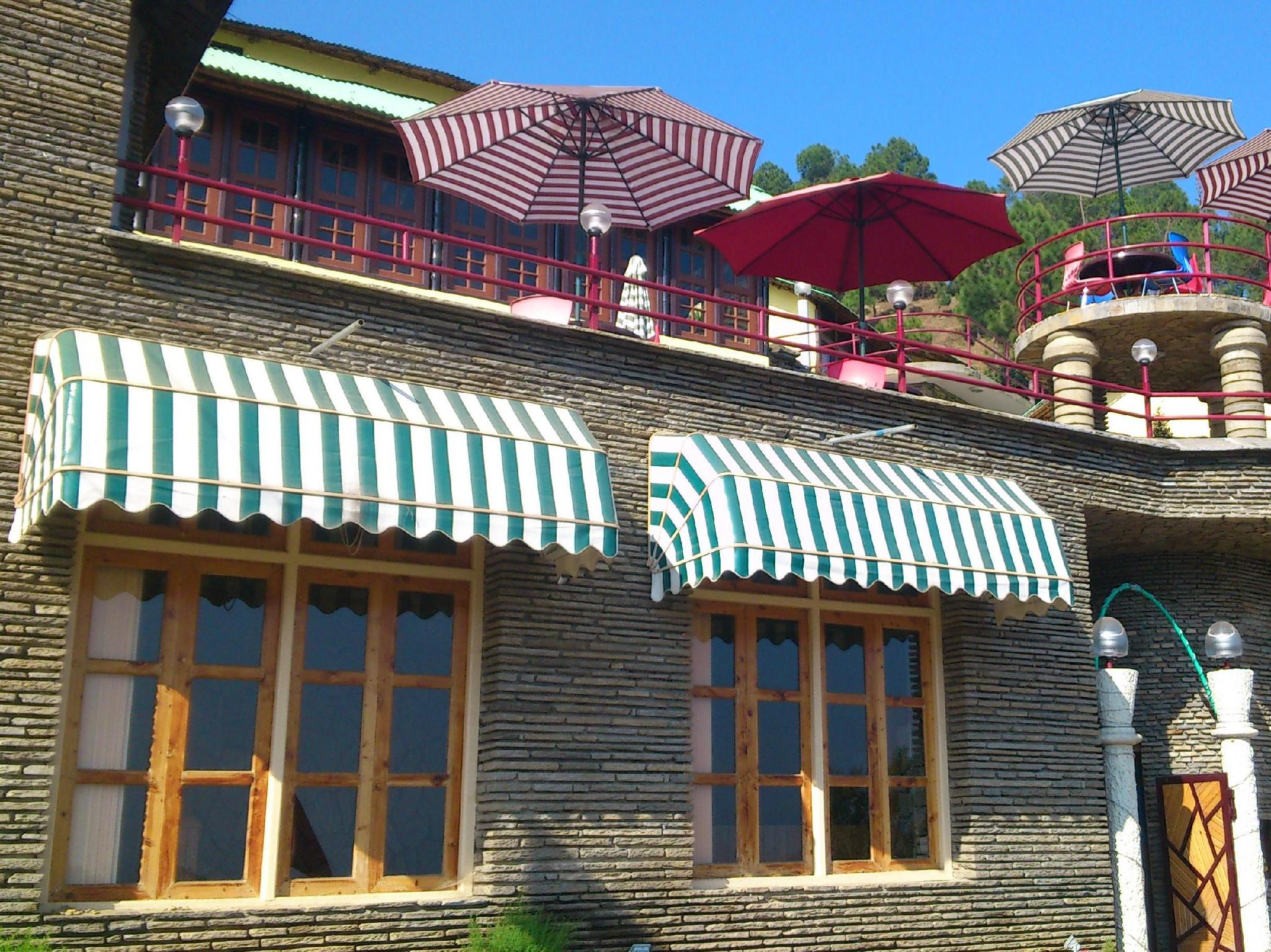The Heritage Resort - Hotel and accommodation in India in Kausani