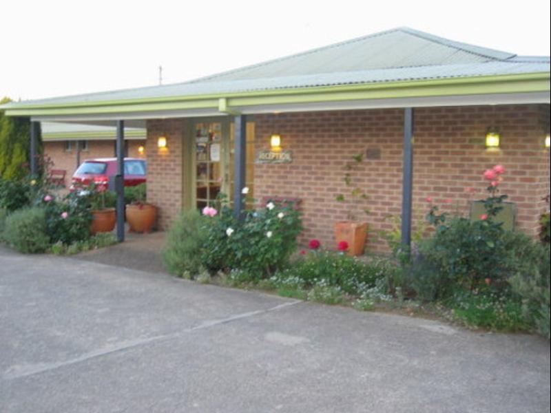 Highlands Motor Inn - Hotell och Boende i Australien , Oberon