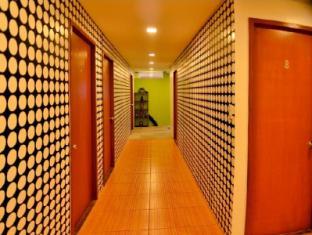 Hilik Boutique Hostel Manila - Hallway
