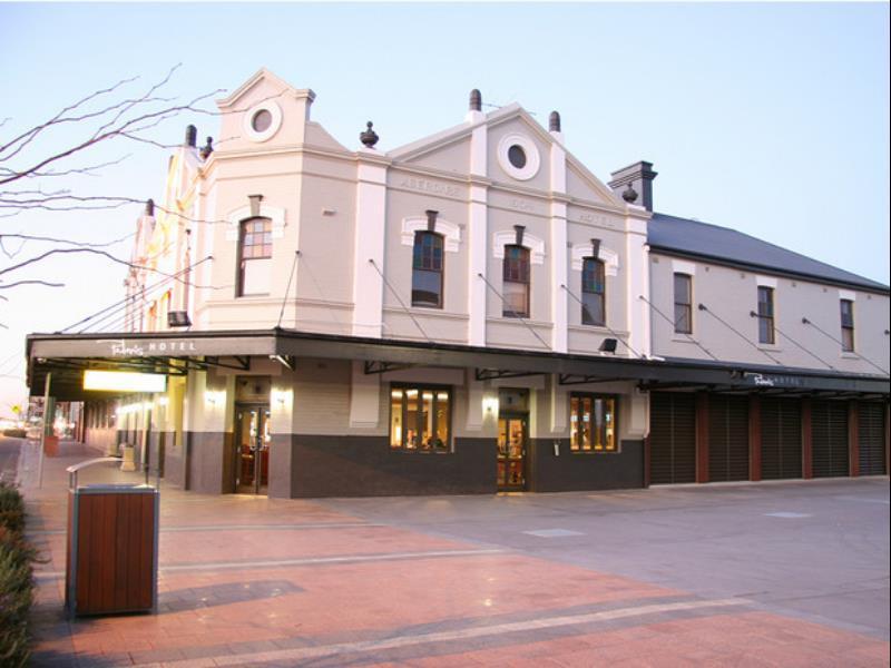 Pedens Hotel - Hotell och Boende i Australien , Cessnock