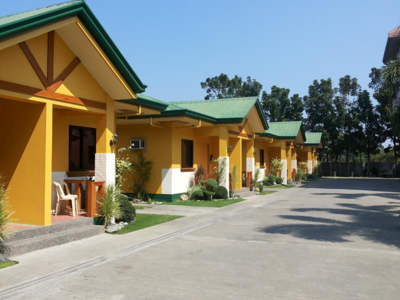 Farm Side Hotel