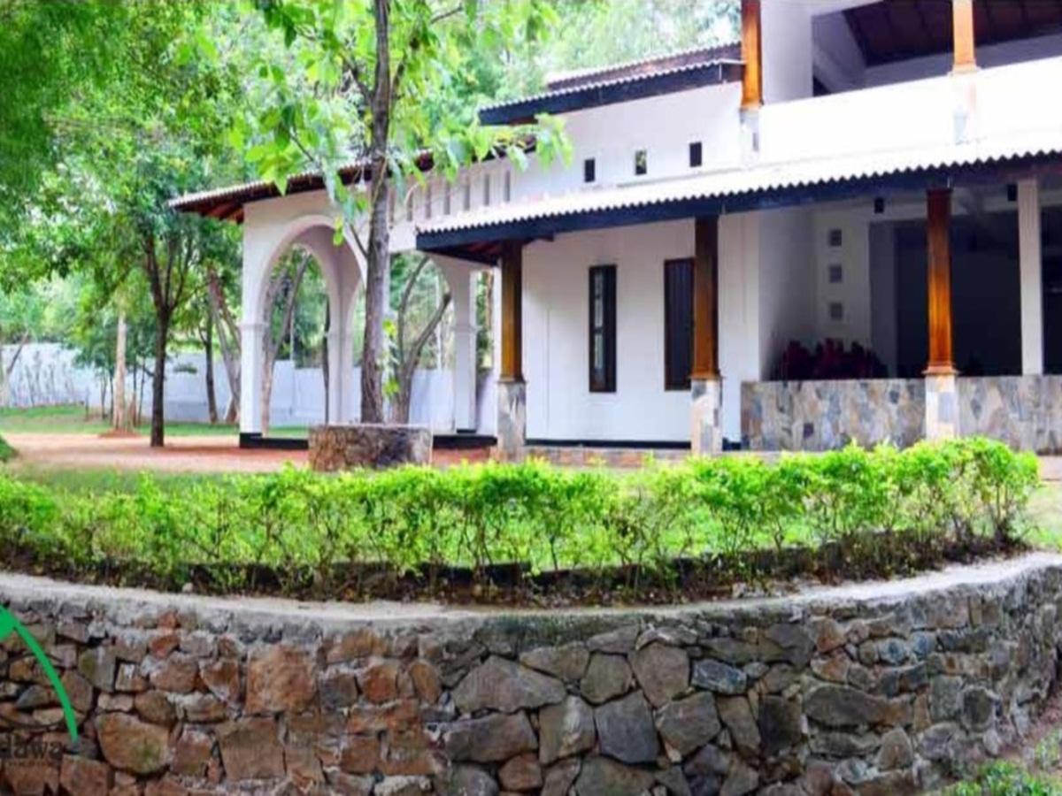 Grand Kalundawa Resort - Hotels and Accommodation in Sri Lanka, Asia