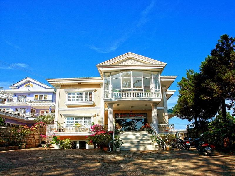 Nguyen Hung Hotel - Hotell och Boende i Vietnam , Dalat