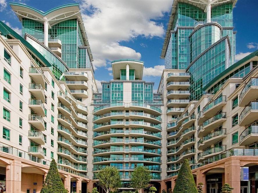 St George Wharf Apartments