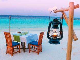 Vakarufalhi Island Resort Maldives Islands - Special Dinner set up